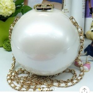 Pearl shaped bag with chain and pearl handle